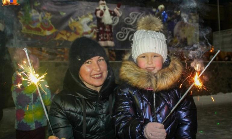 Праздничный концерт «Новогодний звездопад» 01/01/2021